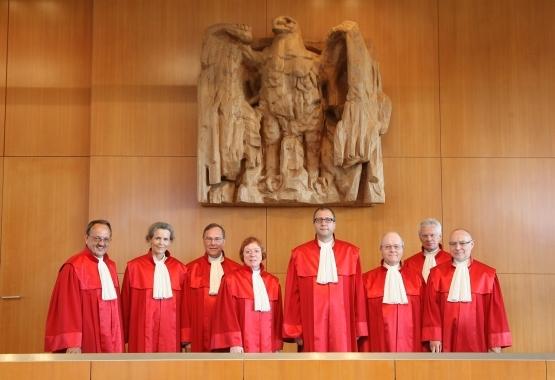 Gruppenfoto Zweiter Senat beim Bundesverfassungsgericht in Karlsruhe