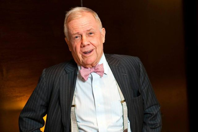 """The Swiss National Bank makes a terrible mistake"": Investor Jim Rogers"