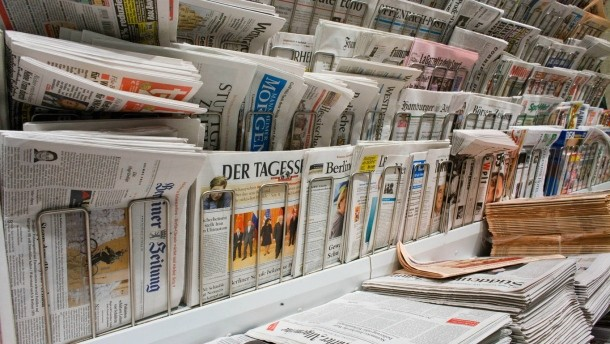 Außenaufnahme Zeitungsstand am Kiosk