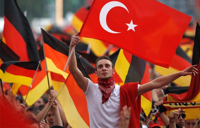 Here Comes The Turkish Flood: EU Commission Backs Visa-Free Travel For 80 Million Turks