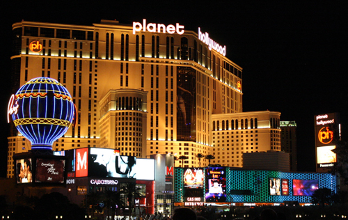 Planet Hollywood – a place for suffering. Photo credit: SchnitzelMannGreek