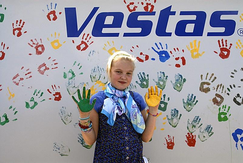 vestas hand painting