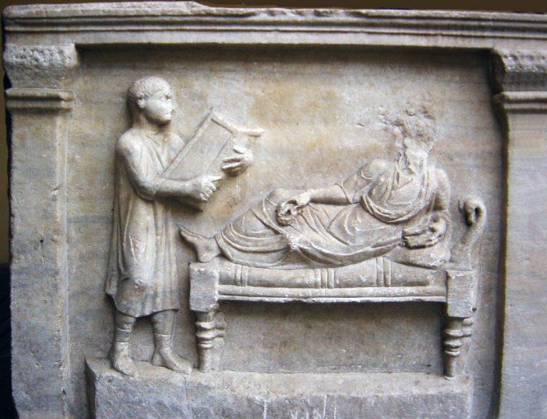 Sarcofago avvocato Valerius Petrnianus