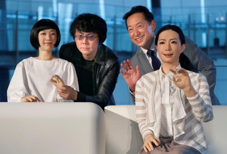 Robots Kodomo and Otonaroid