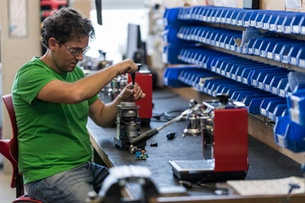 Swiss small businesses sound optimistic note for exports