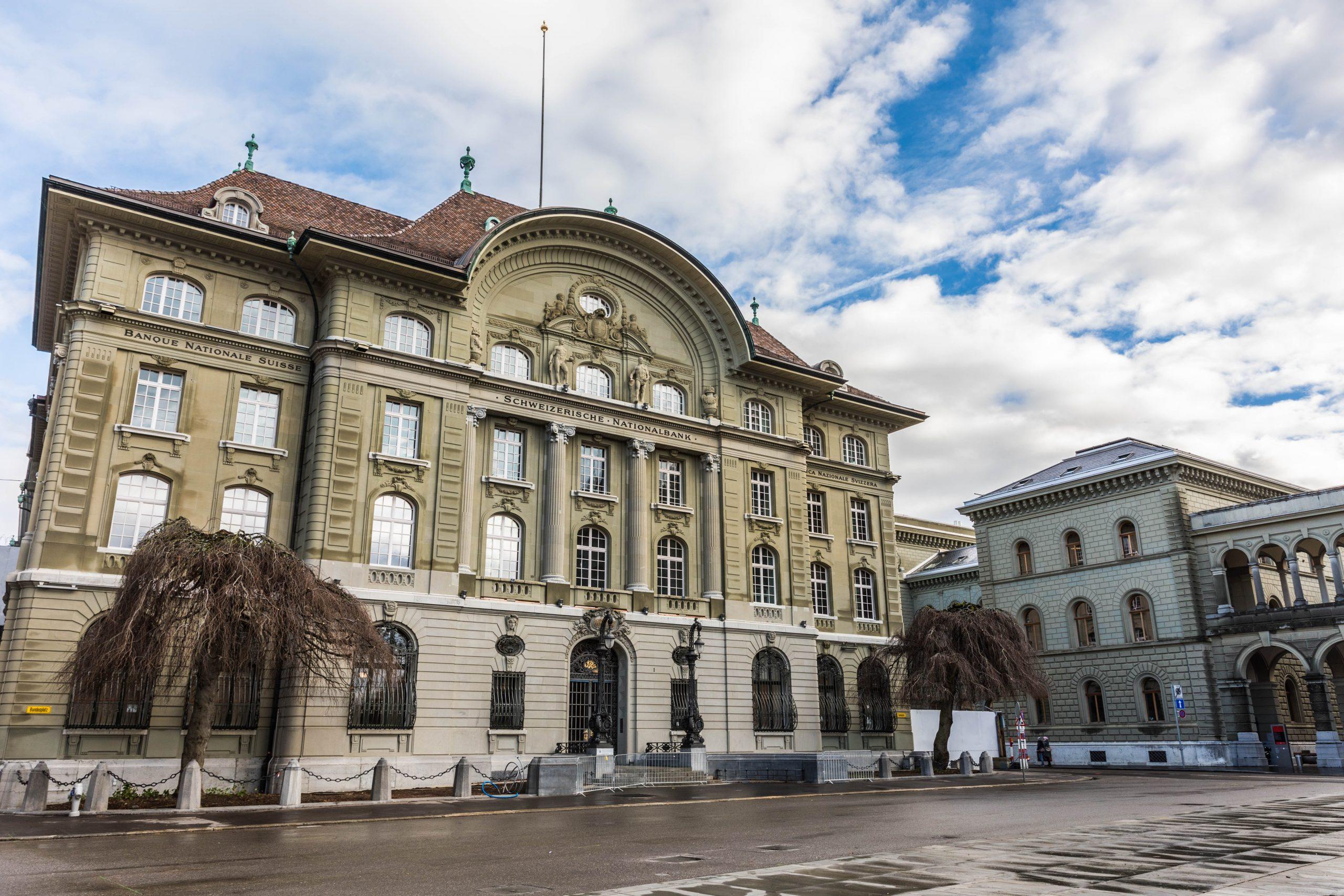 SNB belässt Leitzins unverändert und stärkt die Banken